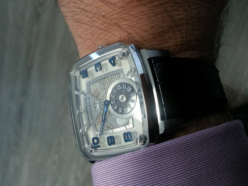 Montre Hautlence Destination02