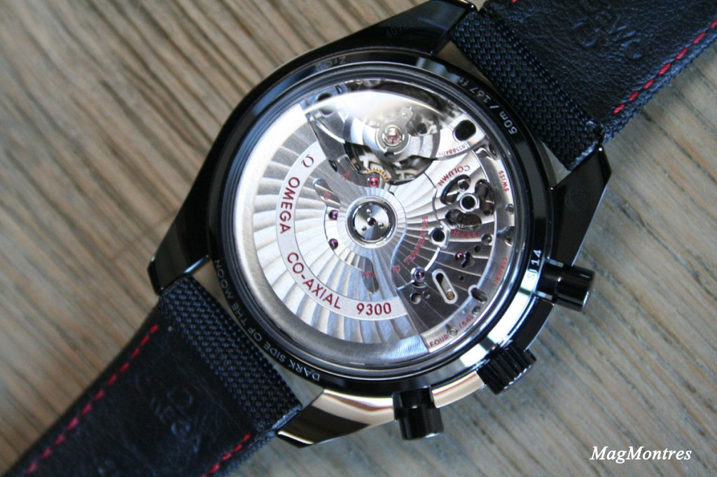 Montre Omega Dark Side of the Moon - Fond saphir biseauté