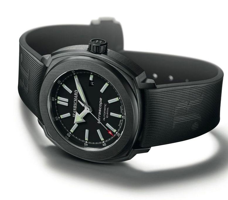 JEANRICHARD Terrascope Modèle Iconique avec le cadran noir et le bracelet en caoutchouc noir