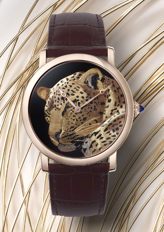 Montre Cartier Rotonde de Cartier 42 mm décor panthère damasquinage