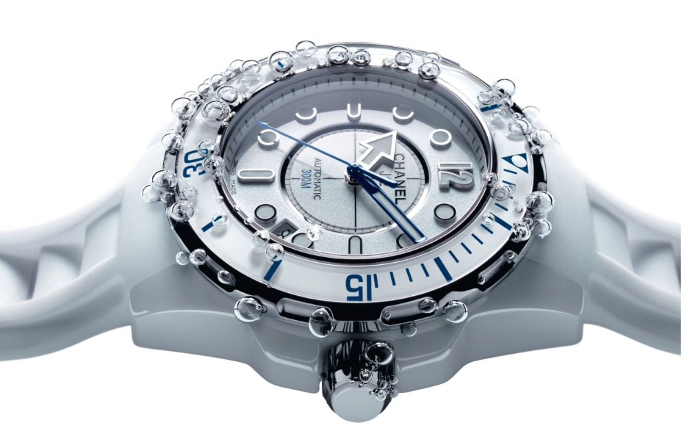 Chanel J12 Marine en céramique high-tech blanche polie