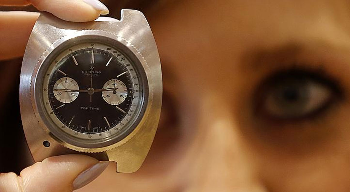 L'histoire folle de la Breitling Top Time de James Bond