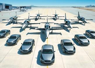 Sept voitures Bentley Continental GT Speed dédiées aux sept avions du Breitling Jet Team